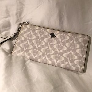 White Coach Wristlet / Clutch